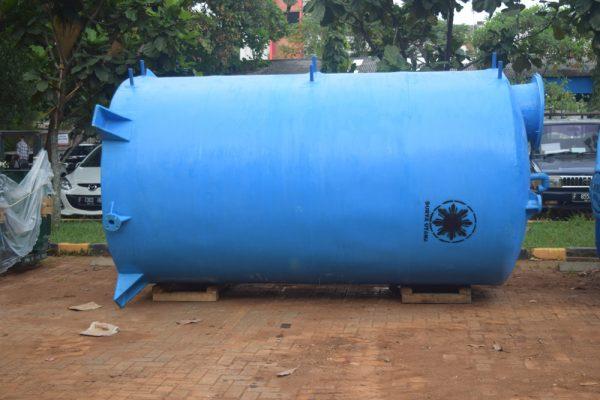 tangki fiberglass toren fiber tangki air silinder horizontal tangki air fiberglass tangki air 5000 liter 5m3 10 m3 kubik 600x400 Tangki Air